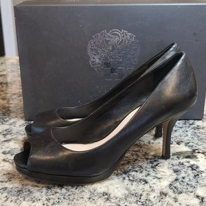 Vince Camuto heels with box